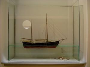 Montremed-flydende-sejlskib