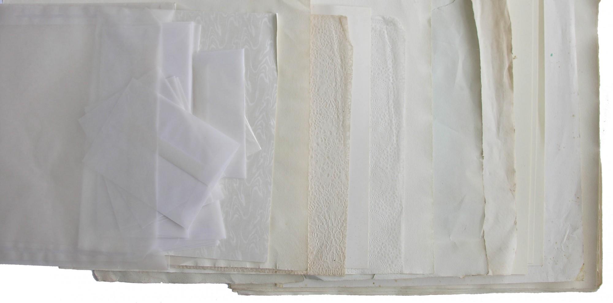 Smukke hvide ark papir